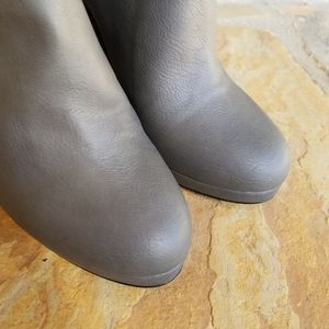 Nine West Shoes - Nine West Gray Wedge Boots Hartnsolo Size 9.5